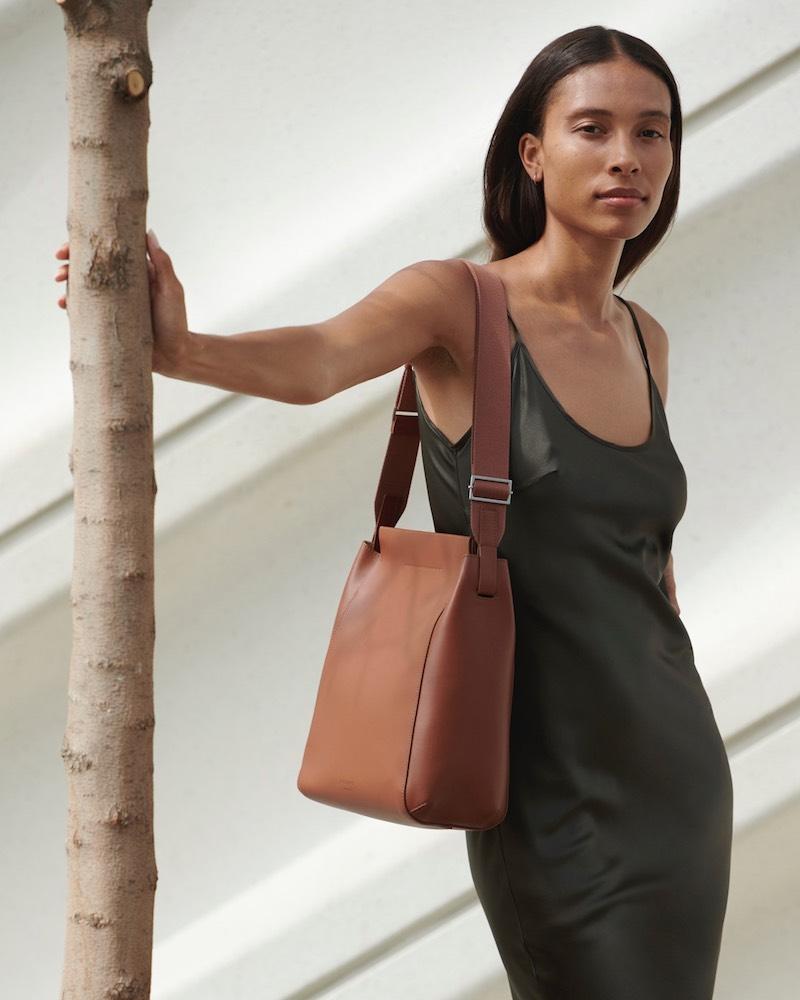 Everlane Form Bag in Cognac