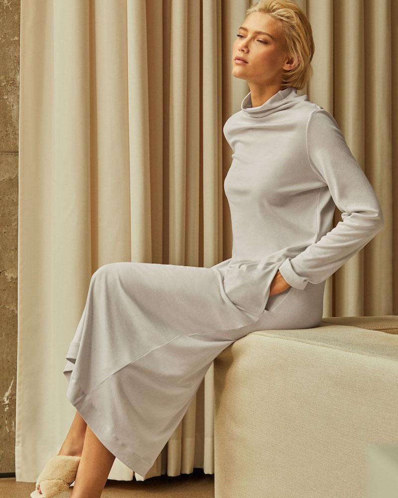 Hanro Liara Long-Sleeve Long Nightgown