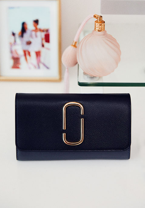 Marc Jacobs Wallet On Chain Bag