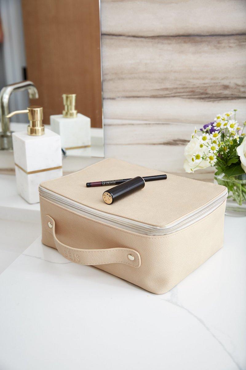 Béis Travel Cosmetics Case