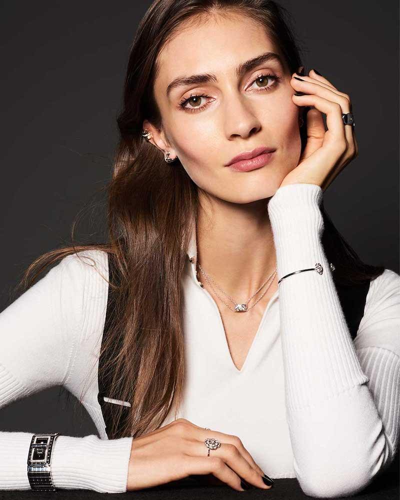 Chanel Coco Crush Pendant in 18k White Gold and Diamonds