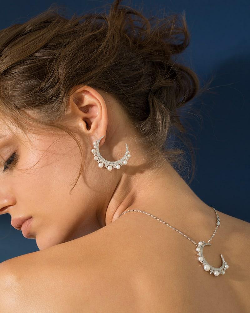 APM Monaco Metallic Silver Moon Mono Earring with Pearls