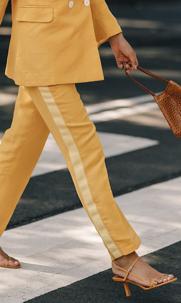 Les Héroïnes Bentley Cropped Grosgrain-Trimmed Linen-Blend Canvas Slim-Leg Pants