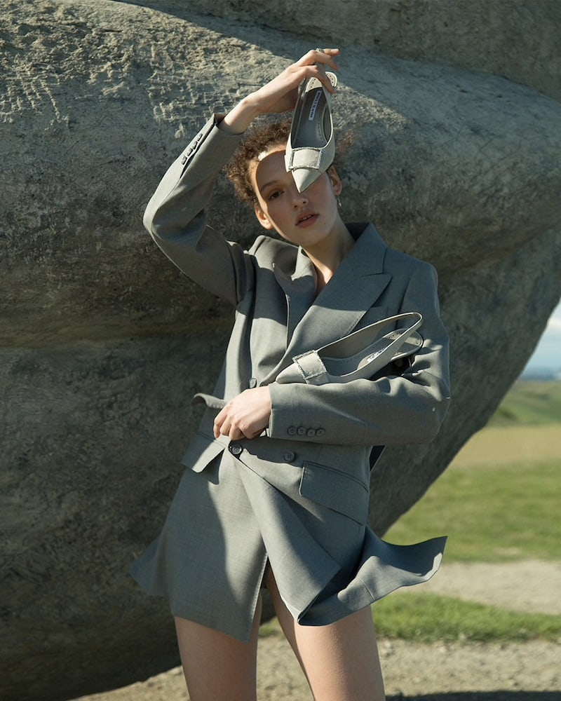 Manolo Blahnik 50mm LVR Exclusive Dolores Suede Pumps in Light Grey