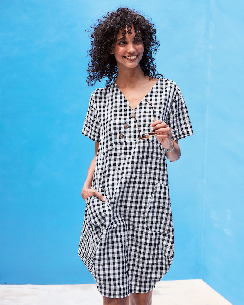 DUBGEE by Whoopi Short-Sleeve Gingham Cocoon Dress with Pockets & Button Detail