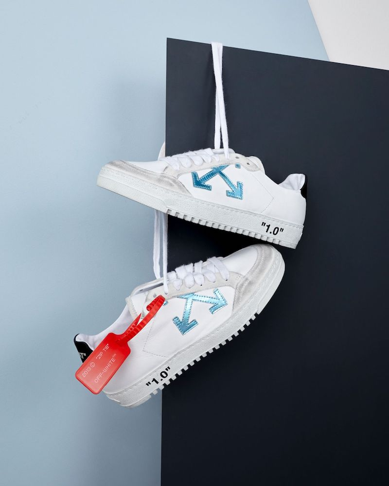 Exclusive to Mytheresa Off-White Arrow 2.0 Leather Sneakers in Metallic Blue