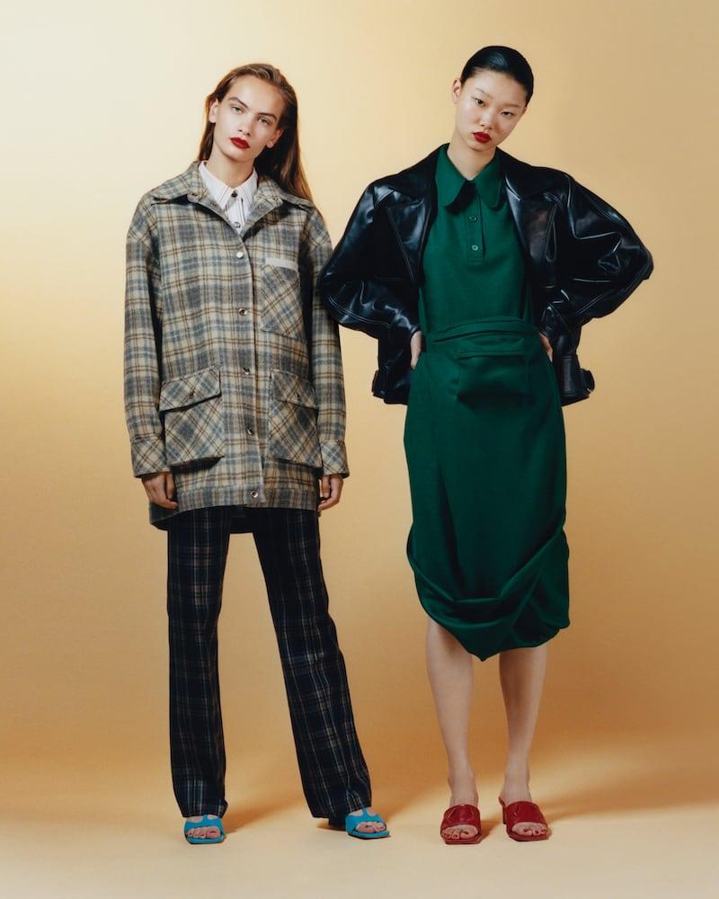 Pushbutton Belt Bag-Detailed Draped Wool-Crepe Midi Dress