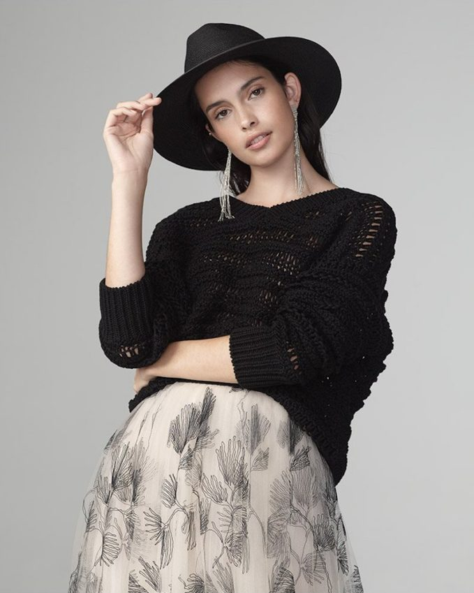Brunello Cucinelli 3D-Netted V-Neck Sweater