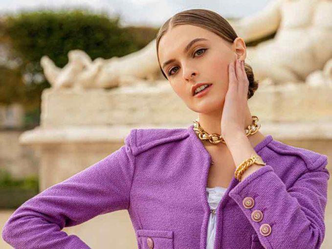 CHANEL Metal Imitation Pearls Necklace