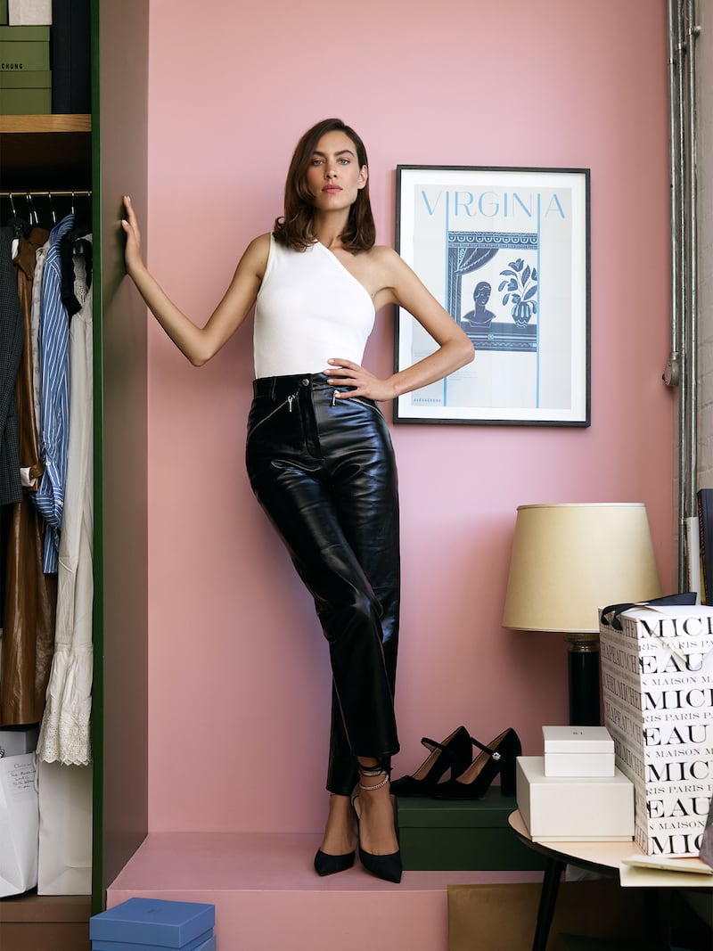 ALEXACHUNG Crinkled Glossed-Leather Straight-Leg Pants