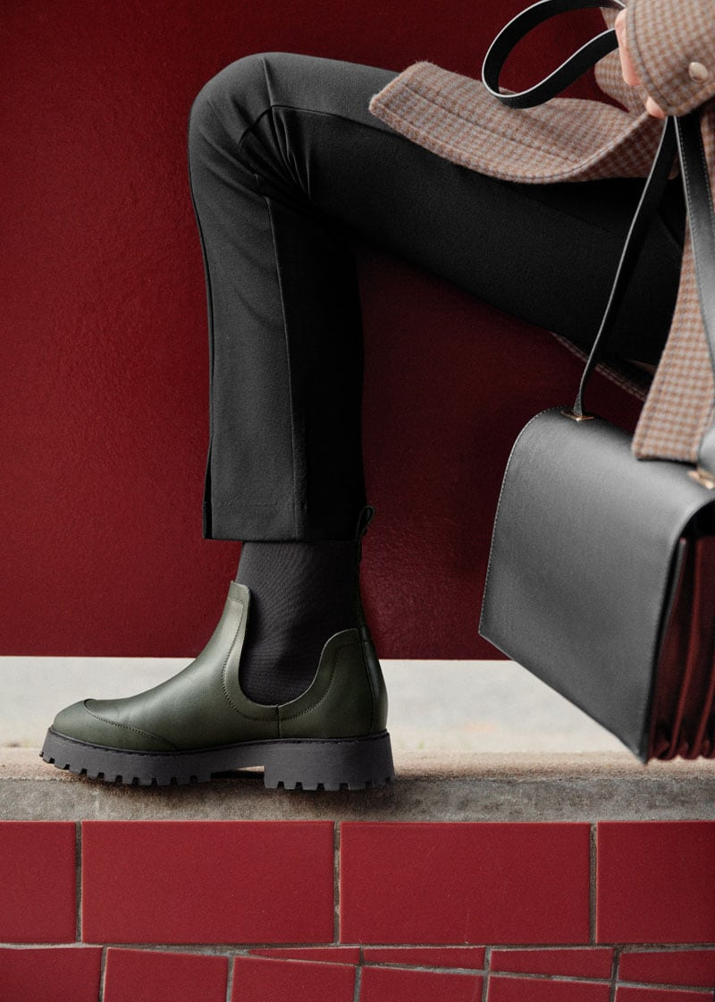 & Other Stories Elasticated Leather Chelsea Boots