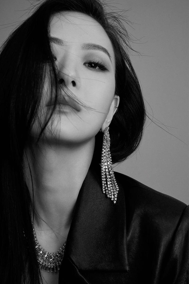YUN YUN SUN LVR Exclusive Gurs Crystal Necklace