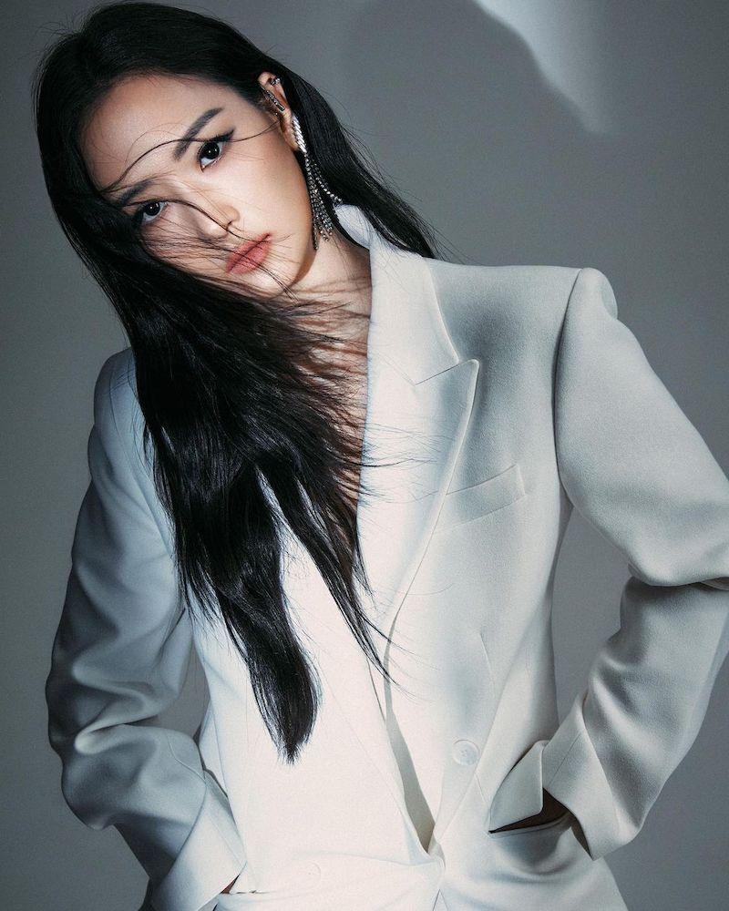 YUN YUN SUN LVR Exclusive Rhea Crystal Ear Jacket
