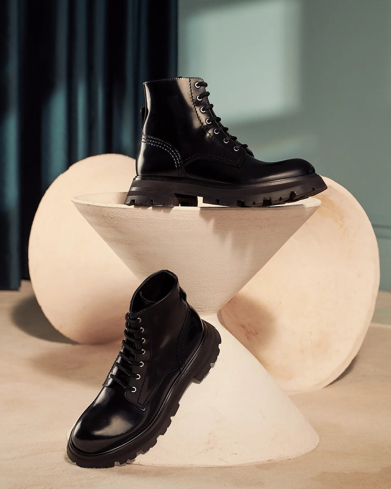 Alexander McQueen Wander Exaggerated-Sole Leather Boots