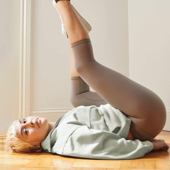 Everlane Perform Cropped Legging