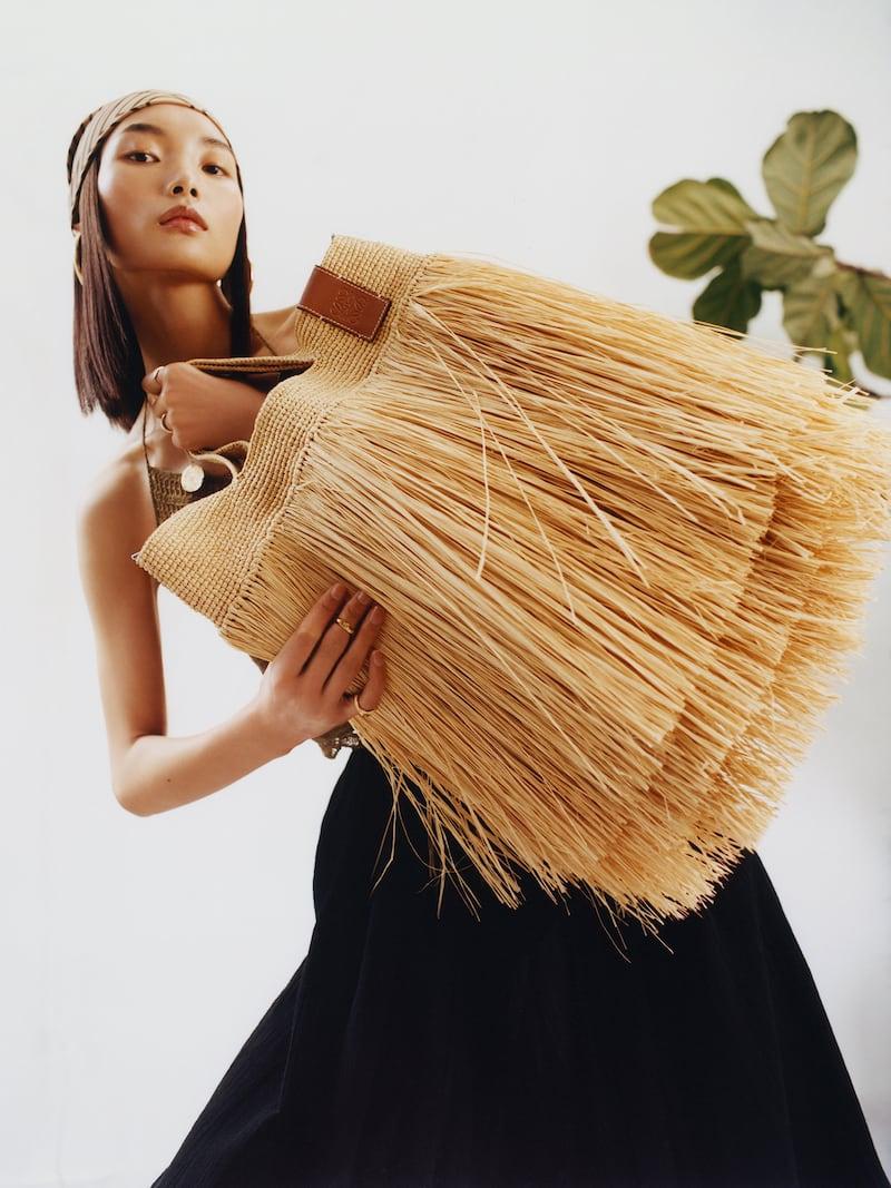 Loewe + Paula s Ibiza Slit Leather-Trimmed Fringed Raffia Tote