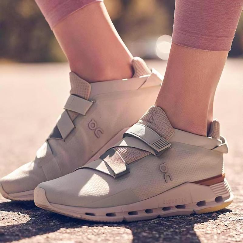 On Cloudnova Wrap Sneaker